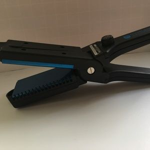 Solano Sapphire Collection 2-1/4 inch Flat Iron